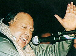 Nusrat Fateh Ali Khan - Performing In London - By NusratOnline.com